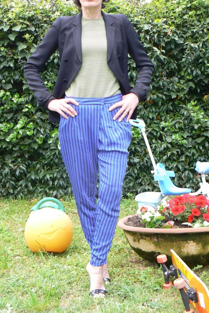 Quadretti e righe, pantaloni a righe blue e neri, t-shirt fantasia, t- shirt Prada, scarpe Miu Miu, Balenciaga jacket, fantasia, multi fantasia, scarpe trasparenti, fantasy mix, vintage style, Anastasia, Florence, new outfit, mix di quadretti e righe, blue &black stripes, nude nude shoes, trasparent shoes