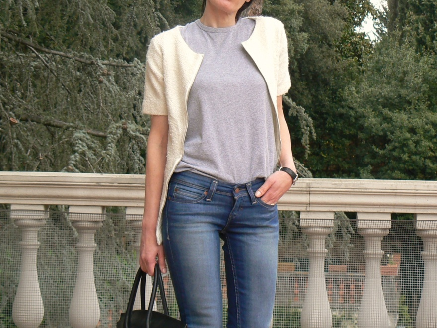 Levi's ID curve, ID curve slight, slim, Anastasia, Florence, Valentino shoes, t- shirt Asos, jacket H&M, casual look, new outfit, new look, sunday look,  grey shirt, white jacket, jeans look.