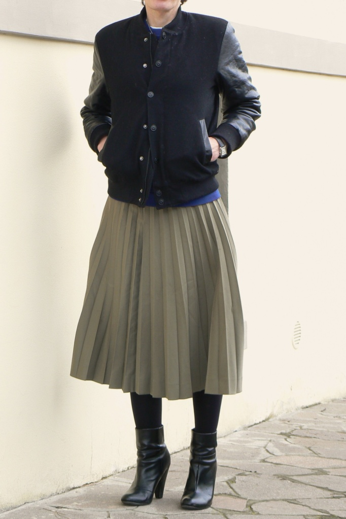 Max Mara vintage skirt, sweater H & M, H & M leather jacket, boots Topshop, vintage vintage style, Anastasia, Florence, outfit work, new outfit,