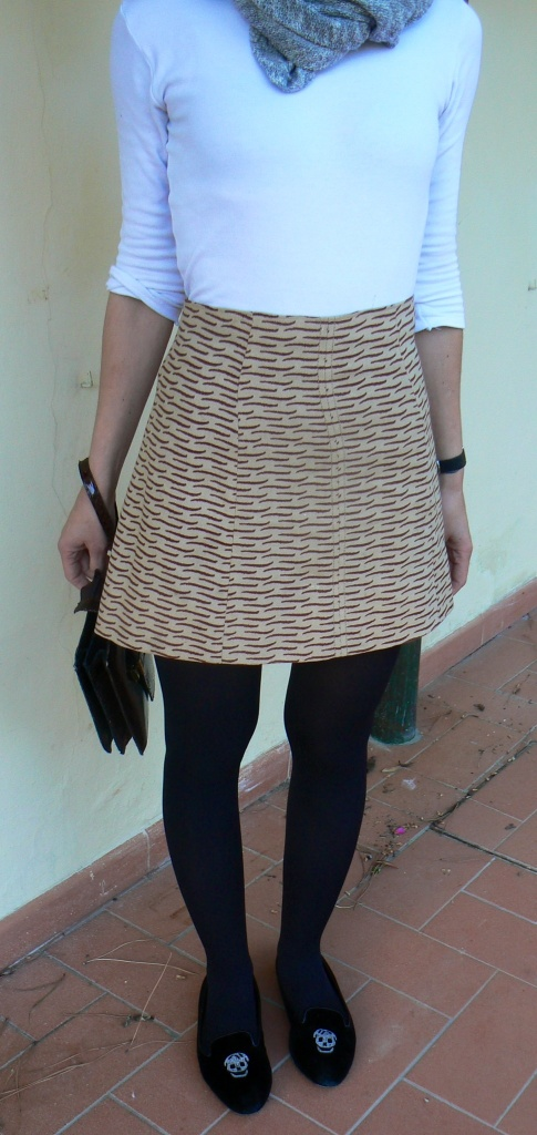 Vintage skirt, Anastasia style, Florence, Esprit jeans, black jeans jacket, Alexander McQueen shoes, morte secca, vintage bag, gonna a vita alta, gonna tigrata, gonna e t-shirt, giacca di jeans, casual outfit, new outfit, look per stare con i bambini,