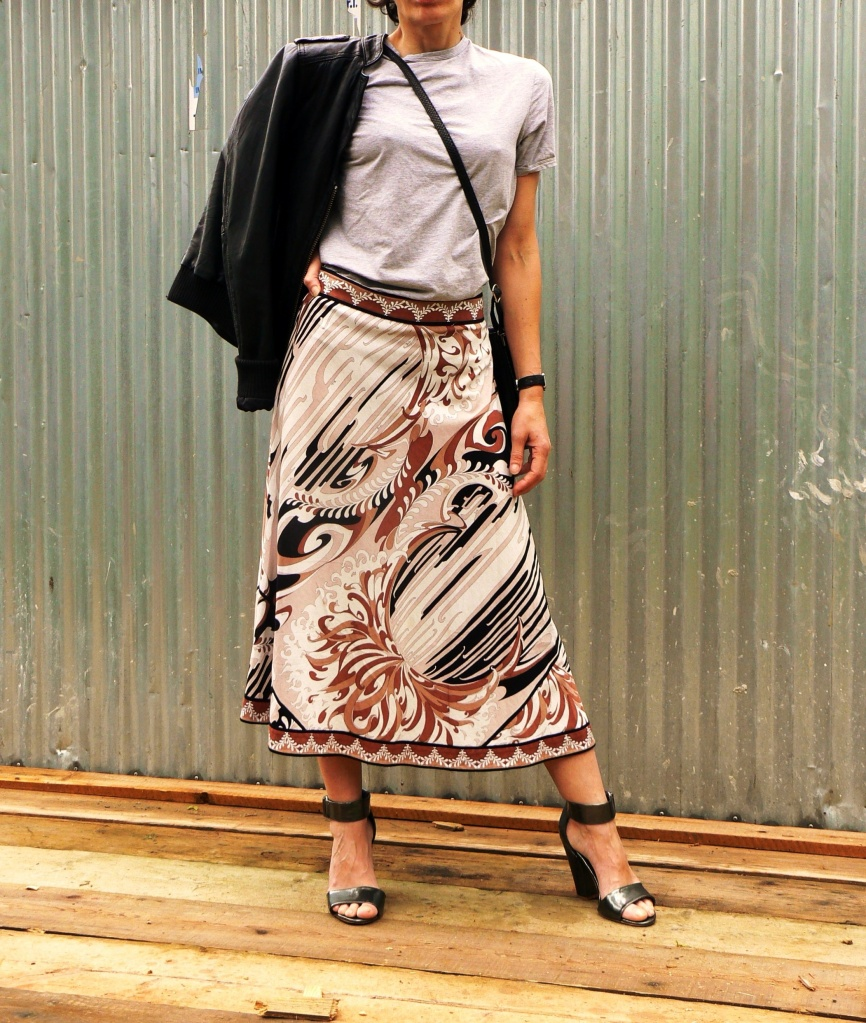 Emilio Pucci skirt, vintage skirt, H&M shoes, Asos t- shirt, vintage bag, Anastasia's style, new vintage, new outfit, Florence, leather jacket, fantasy skirt, operetta goliardica, outfit per il teatro, teatro verdi, outfit sabato sera, cosa mi metto?,
