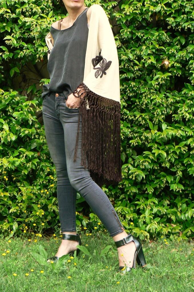 New outfit, casual outfit, Anastasia's style, vintage kimono, kimono, vintage style, Florence, grey jeans, bonprix jeans, vintage top, silk top, mercatino di s.to Spirito, scialle vintage,