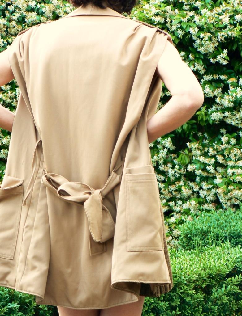 Vestito in maglia di cotone, vestito di maglia, Prada,  giacca vintage, giacca senza maniche vintage, vestito verde, giacca marrone, giacca beige, zeppe, sandali di Marni, vintage style, Anastasia,  Florence, vintage, cool, cool outfit, new outfit,Marni,