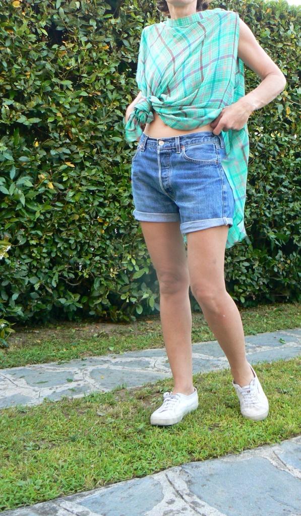 Levi's 501, top handmade, summer, summer look, superga, come indossare le superga, superga bianche, denim shorts,  fantasy top, new outfit, Florence, Anastasia, vintage style,