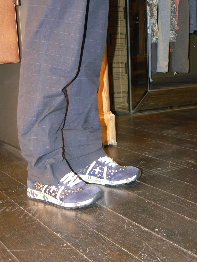 Premiata sneakers, blue pants, grey shirt, shirt, centro di Firenze, Florence , Anastasia style, vintage style, parcheggio, passeggiare, cheap outfit,mcollezione outfit, new outfit, my life, my style, runner shoes, premiata, man pants,  flow shop,