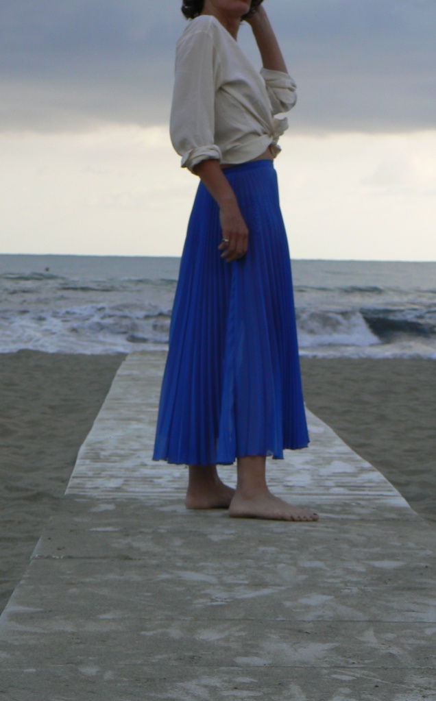 Trasparent skirt, gonna viola, silk shirt, i blues, Zara fashion blog, blogger, vintage style, summer look, new outfit, a long skirt, long& trasparent skirt, swinwear, Anastasia, vintage style, vintage outfit,  new vintage outfit, my daily style, beach look,