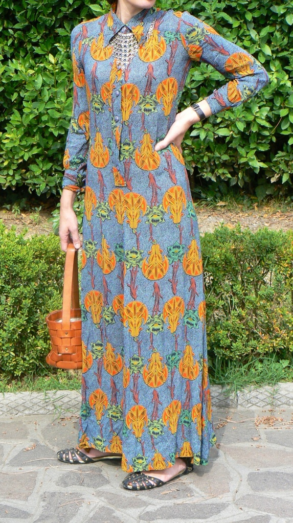 Long dress, vintage dress, flowers dress, Asos sandals, Miu Miu bag, summer outfit, collana vintage, Anastasia style, Florence, my life, vintage outfit, vintage style, vintage Selection,