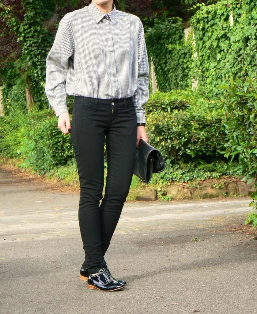 ,Zara, Zara pants, shirt, black and white shirt, Massimo Dutti shoes, vintage bag, black bag, normal outfit, Anastasia style, Florence, vintage style, BP, mocassini, flat shoes, black shoes, casual outfit,