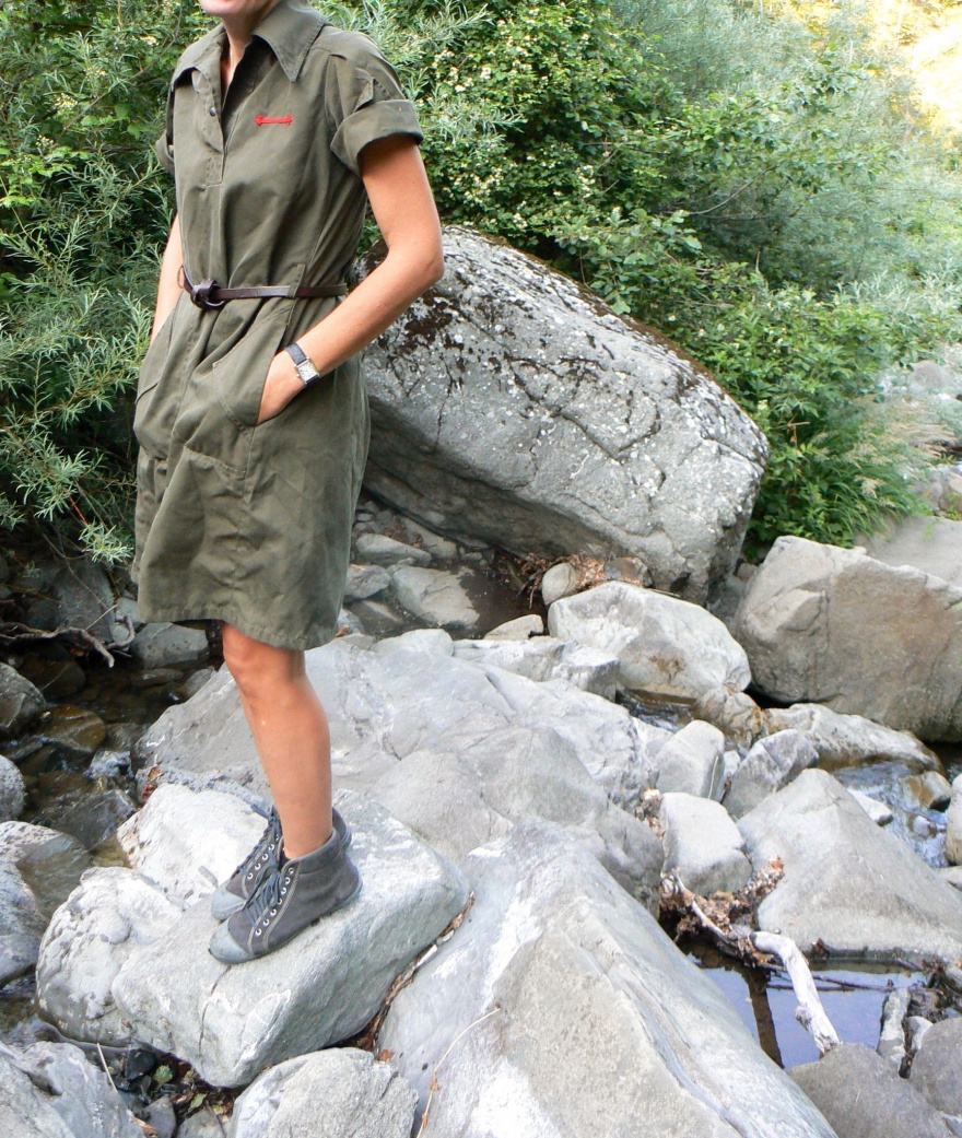 Vintage shirt, vintage style, green dress dress, vintage dress, sneakers Bensiomn , mountain outfit, new outfit, italian fashion blogger, fashion blogger, blogger, Anastasia style, Florence, cheap outfit,