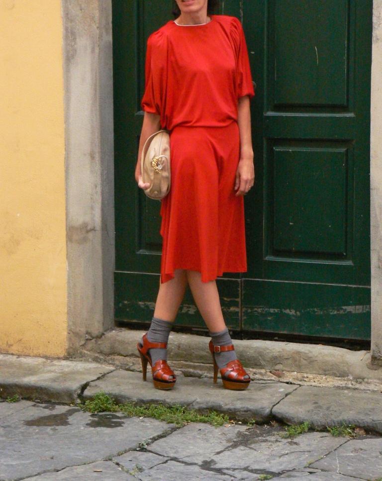 Vintage dress, Red dress, vintage style, italian fashion blogger, fashion blogger, Florence, my life, new outfit, Marni, Fendi, socks, socks & sandals, Marni sandals, Fendi bag, vintage bag, Fendissime, calzettoni e sandali, Nozzole, p.zza della Passera, amiche, cocktail outfit, Osteria, Il magazzino Osteria.