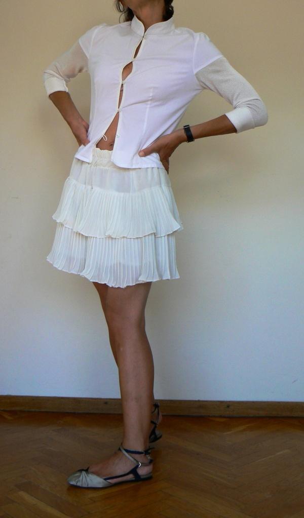 Vintage shirt, vintage style, white skirt, white shirt, la camicia bianca, emporio Armani, sandali emporio Armani,patrizia pepe, vi tage style, white outfit, new outfit, italian fashion blogger, fashion blogger, blogger, Anastasia style, Florence