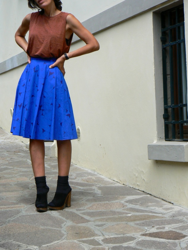 Gonna vintage, fantasy skirt, vintage skirt, H&M blouse, green t-shirt, Zara shoes, zuecos, zoccoli vintage, Anastasia style, Florence, vintage style, new outfit, fashion blogger, fashion mode, at the moment, italian blogger, Venezuela blogger, summer outfit, outfit at work