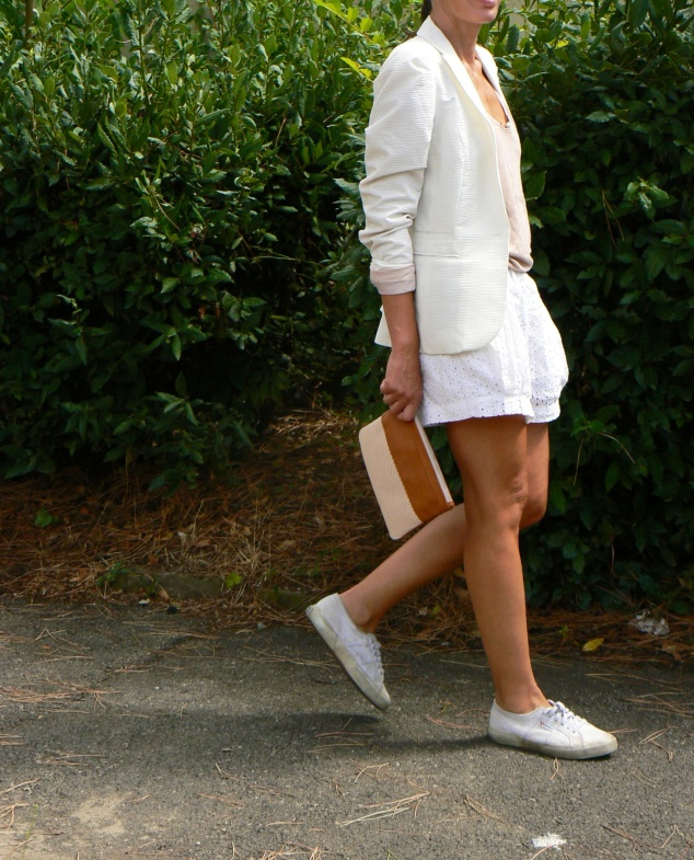 Zara shorts, Shorts San gallo, white shorts, total white, total white look, superga sneakers, white superga, Anastasia style, Florence, new outfit, italian fashion blogger, blogger, Pieces bag, white jacket.