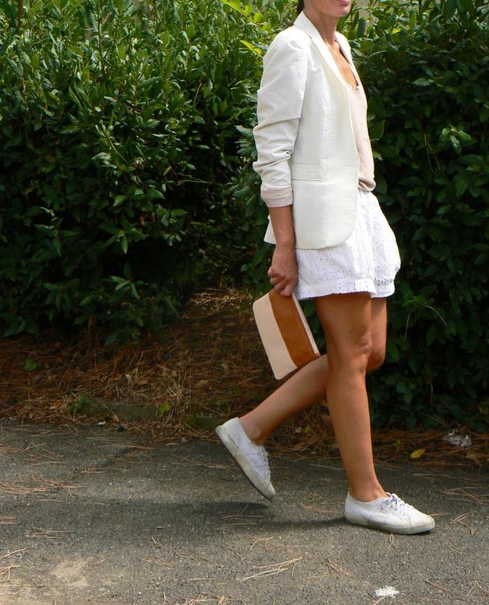 Zara shorts, Shorts San gallo, white shorts, total white, total white look, superga sneakers, white superga, Anastasia style, Florence, new outfit, italian fashion blogger, blogger, Pieces bag, white jacket.