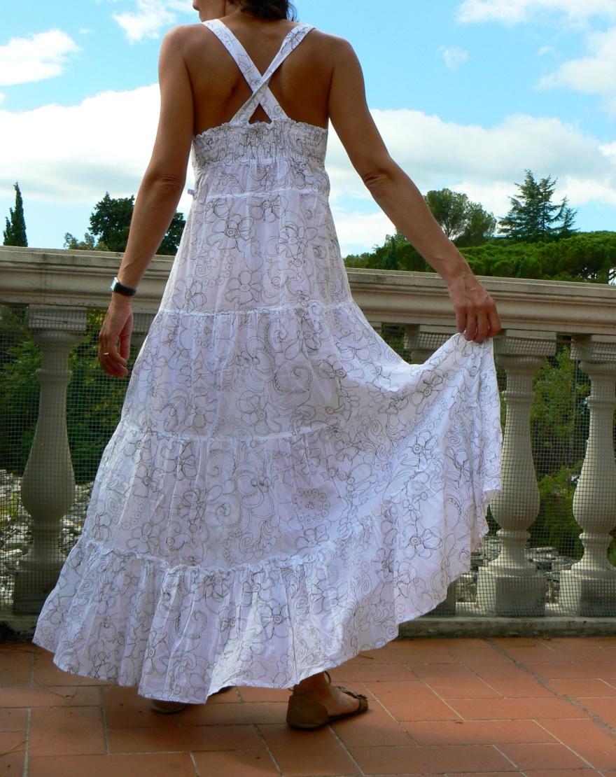 White dress, Long dress, jeans, gilet, gilet di jeans, Positano sandals, paglietta, borsa di paglia, bonprix, borsa bonprix, vintage dress, new look,, Anastasia style, Florence, new outfit, italian fashion blogger, blogger, outfit da spiaggia,
