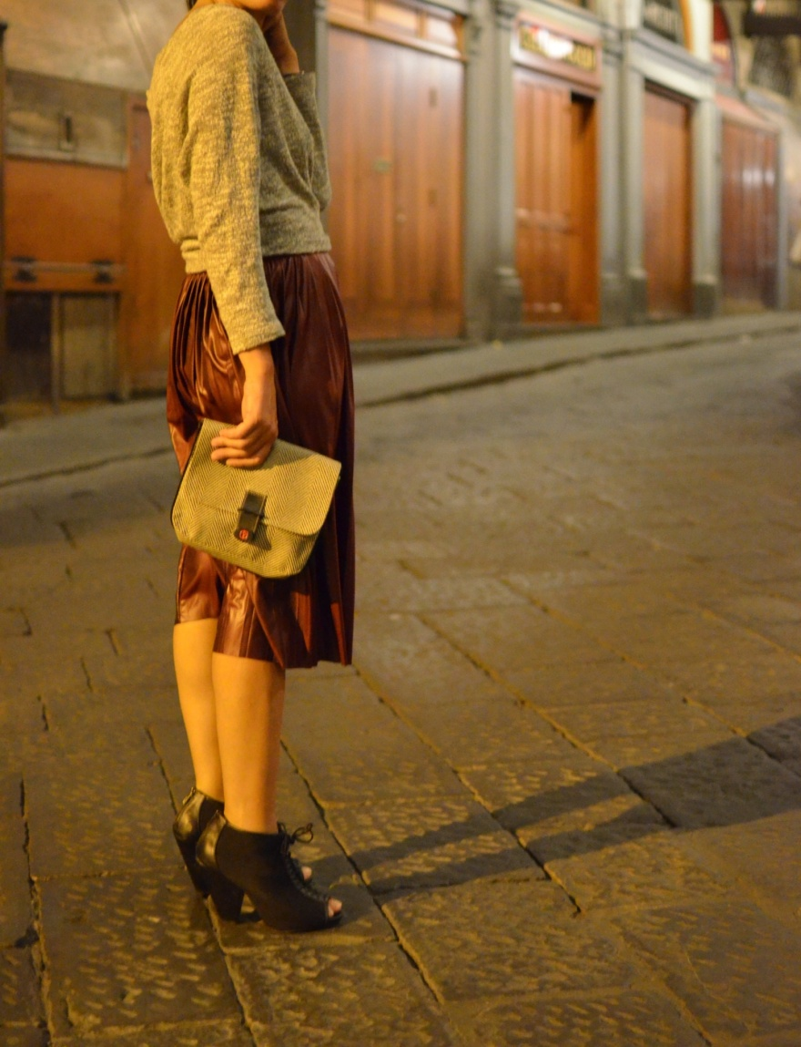 Florence, giro le Firenze, Anastasia, long skirt, Bordeaux skirt, Zara skirt, Zara sale, sandals Asos, Asos, vintage style, t-shirt, white t-shirt, vintage style, vintage, new outfit, italian fashion blogger, outfit, cool outfit, subdued felpa, subdued sweater, Duomo di Firenze, galleria degli Uffizzi, ponte vecchio