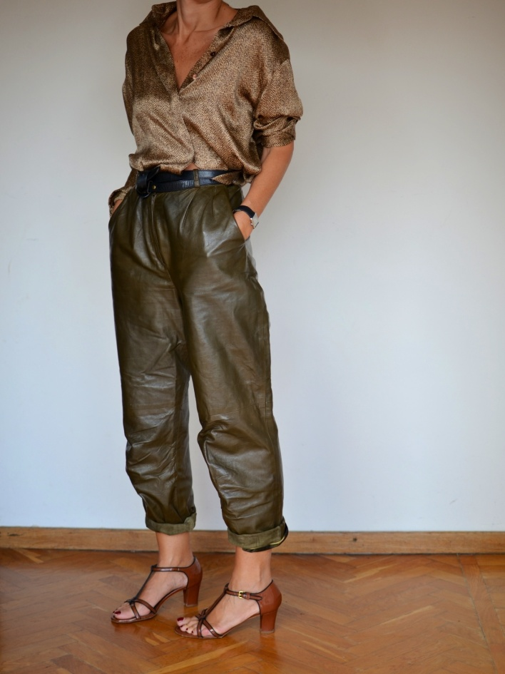 leather pants, winter outfit, vitnage shirt, leopard shirt, silk shirt, marni shoes, vintage belt, anastasia style, new in blog mysouldress, Florence new outfit, italian fashion blogger, green pants,