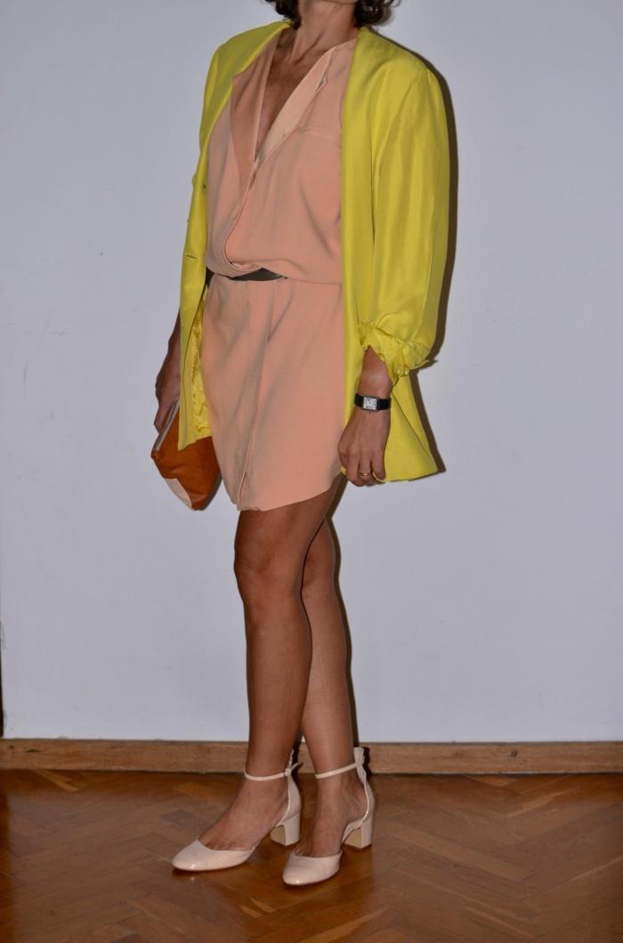 Fashion blog, fashion blogger, yellow, rose, Zara dress, vintage style, Genny jacket, Zara shoes, rose shoes, Anastasia style, Florence,