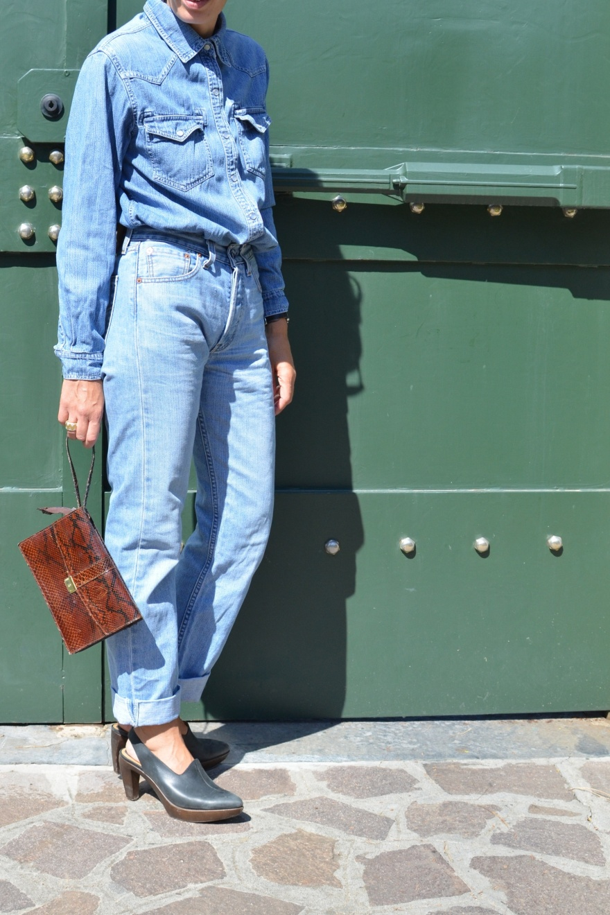 Pepe jeans, Levi's, marni shoes, casual outfit, outfit for work, vintage bag, Anastasia style, fashion blogger, Marni, denim over denim, alla denim, Florence