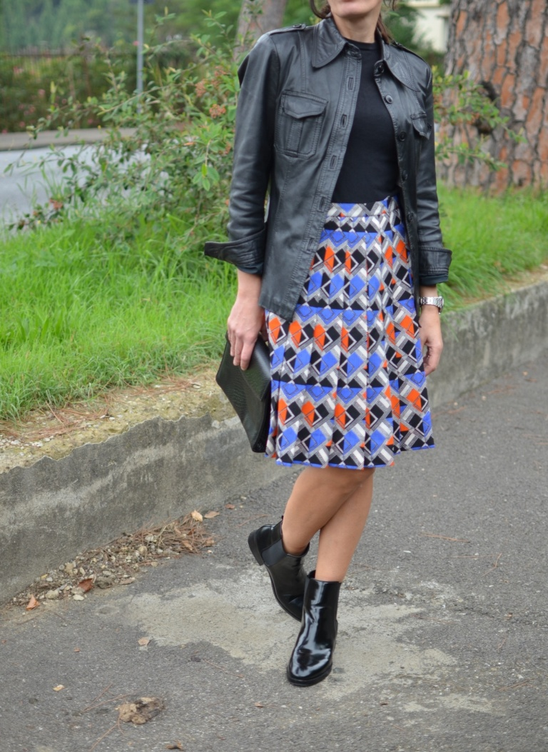 Vintage hacker, vintage skirte, vintage bag, Benetton sweater, Zara boots, black boots, stivaletti con le gonne, gonna po, pop style, fantasi skirt, Anastasia style, new in blog mysouldress, Florence, italian fashion blogger, vintage blog, blogger,