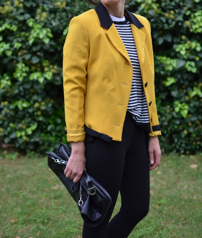 Pantaloni neri, black pants, skinny pants, H&M pants, Zara sweater, vintage jackete, yellow jacket, marina shoes, vintage bag, black bag, italian fashion blogger, bloggere, vintage blog, Anastasia style, Florence