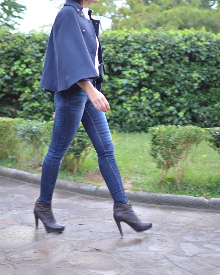 Calvin Klein jacket, mantella blue, Zara jeans, blue jeans, Zara, sweater Zara, white Zara, stivaletti marroni, Gucci bag, Gucci pochette,  Gucci vintage, Stefanel shoes.