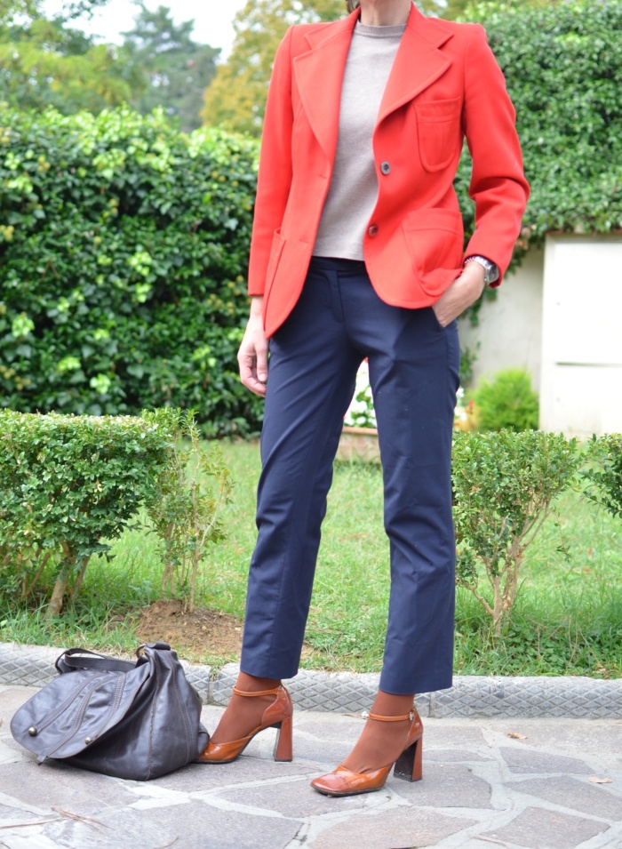 Vintage jacket, Red jacket, orange, orange shoes, blue pants, marina Yacthing pants, IKKS bag, Emilio cavallini, Anastasia style, new in blog, fashion bloggere, vintage blog, chic, cool outfit, working outfit