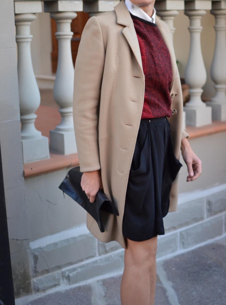 La Redoute skirt, vintage sweater, maglia a quadrettoni, John Galliano shoes, blac shoes, vintage cape, cappottino vintage, cappotto beige, mysouldress, italian fashion blog, vintage blog, vintage blogger, Anastasia style, Florence, camicia bianca, camicia Nara