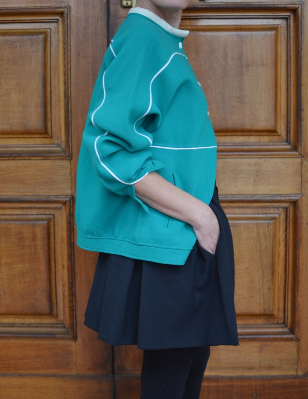 Green jacket, jacket versione, neoprene jacket, Zara skirt, H&M Kids sweater, Sergio rossi vintage, black sandals, Anastasia outfit, mysouldress, Anastasia style, italian blogger, vintage blog, vintage blogger.