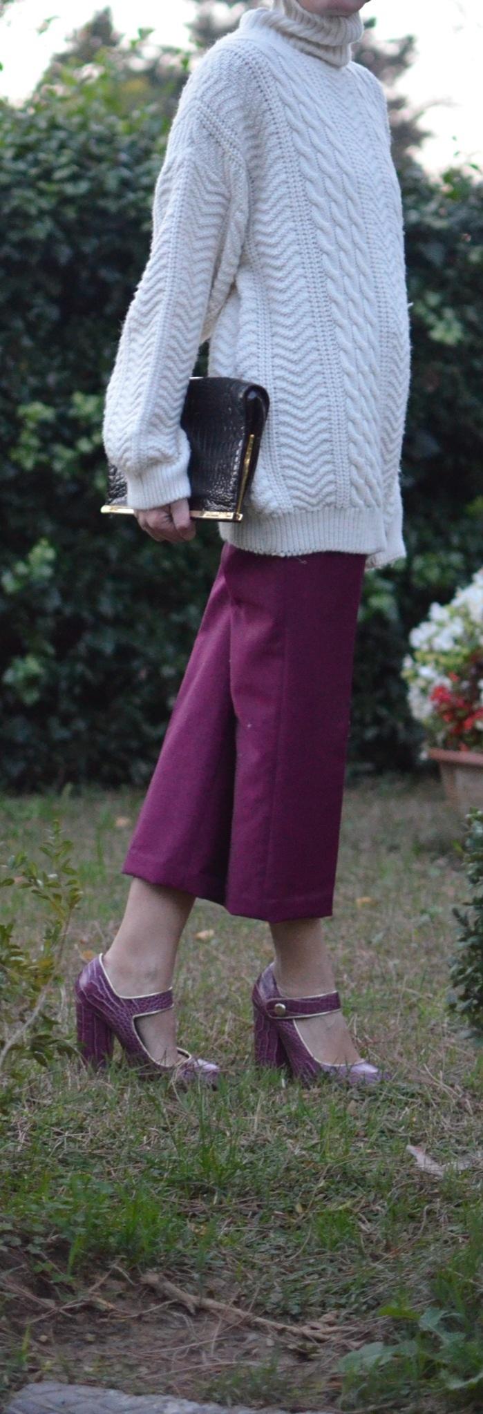 Vintage sweater, sweater mania, maglione bianco, maglione e collo al to bianco, maglione oversize, pantaloni oversize, pantaloni Prada, pantaloni fucsia, pantaloni alla caviglia, oversize outfit, mysouldress, Anastasia style, italian fashion blogger, vintage blog, vintage blogger,