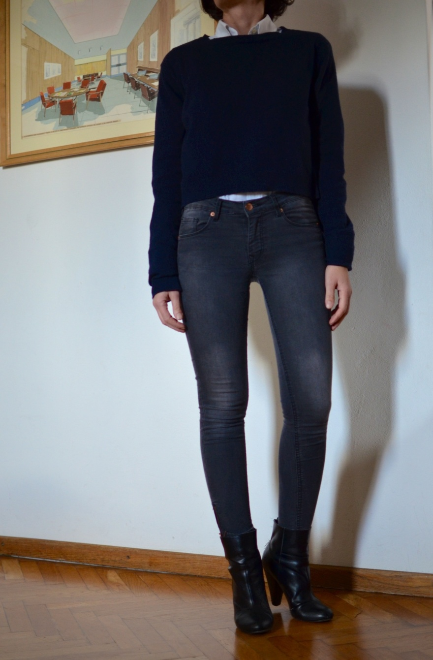 Vintage coat, blue oversize coat, grey jeans, H&M jeans, H&M boots, blue coat, principe coat, principe, Anastasia style, mysouldress,italian fashion blogger, fashion blog, vintage blog,