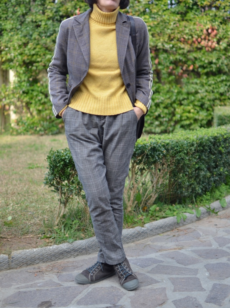 Sisley pants, Benetton sweater, Zara coats, pelliccia beige, pelliccia come indossare una pelliccia, quadrettini, blazer a quadrettini, tartan jacket, Bensimon shoes, Bensimon sneakers vintage bag, workin outfit, cool outfit, mysouldress, Anastasia style, italian fashion blogger, blogger, vintage blog