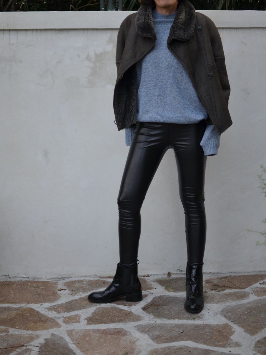 Leather pants, block leather pants, leggings, leggins di finta pelle, come indossare leggins finta pelle, Benetton sweater, vintage jacket, Zara boots,  montone, look da inverno, winter look, italian fashion blogger, fashion blog, vintage blog, Anastasia style Florence. Vintage.