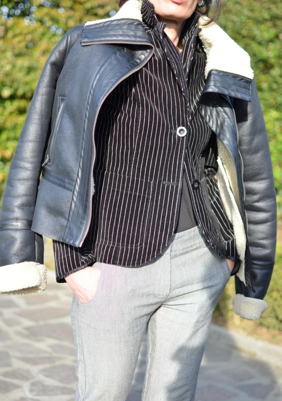 Manila grave pants,  pantaloni a quadrettini, pantaloni grigi, grey pants, vintage jacket, Velvet jacket, Velvet, giacca a righe, righe e quadretti, Marni shoes, Marni, black shoes, flat shoes, montone Onyx, montone, outfit per il freddo, cool outfit, Anastasia style, fashion blog, fashion blogger, italian fashion blogger, Florence, vintage style