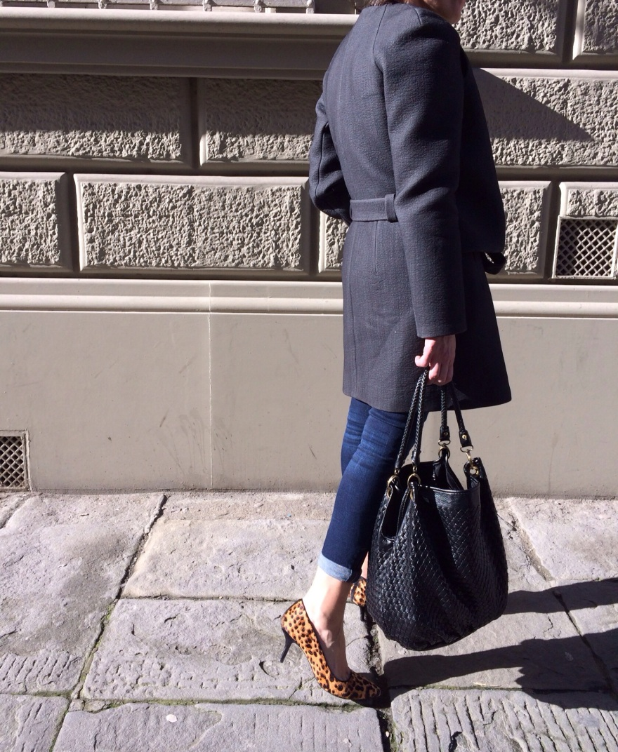 Balenciaga coat, grey coat, The Mall outlet, leopard shoes, zara jeans,vintage bad, come indossare scarpe leopardate, anastasia style, street style