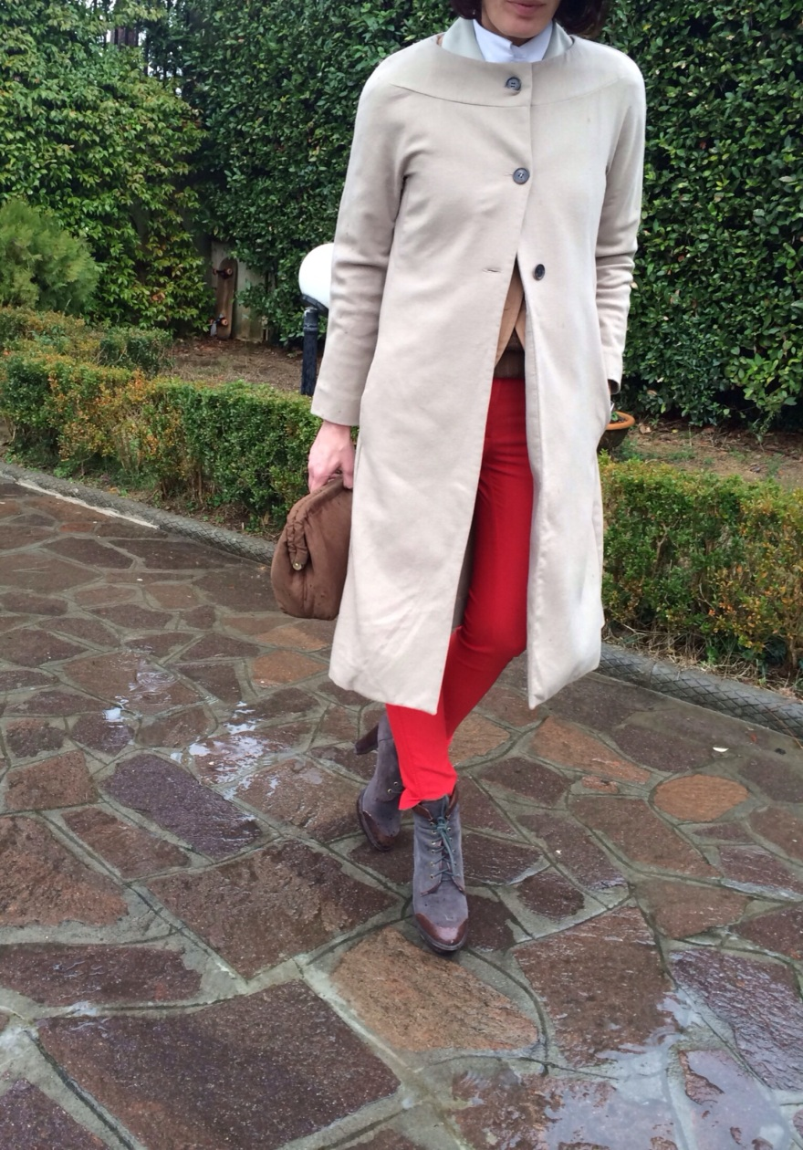Red and camel, red pants, pants zara,camel coat Marni, Marni, Zara, Zara kids, sweater zara kids, B&C boots, brown boots, vintage blog, vintage bag , rain outfit,  minimal chic outfit, minimal, asfalto drenante, mysouldress, anastasia style,