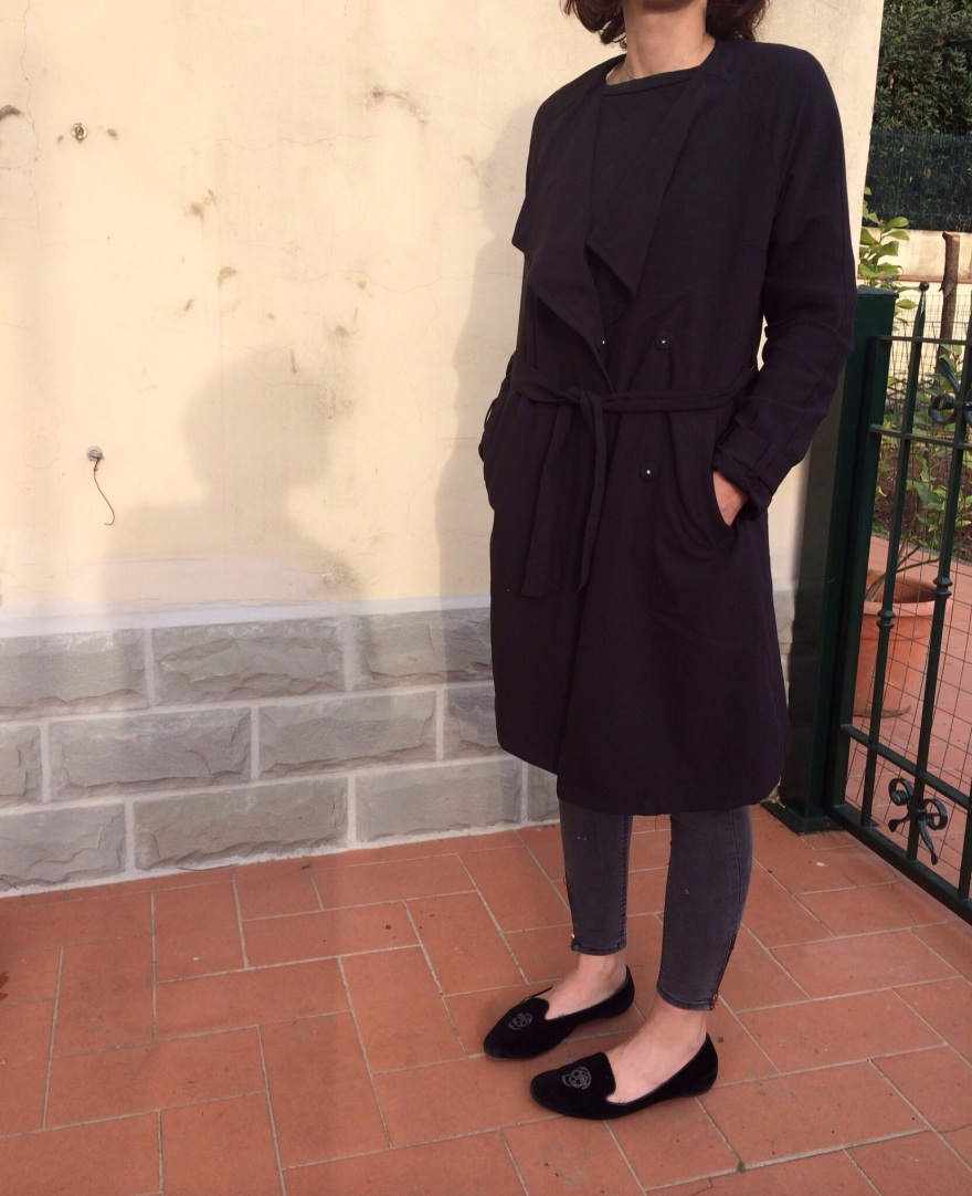 Spolverino nero, passepartout, H&M trench, alexander mc queen shoes, black shoes, black loaffer, jeans grigi, h&m denima, grey denim, mysouldress style, anastasia style, my daily style,