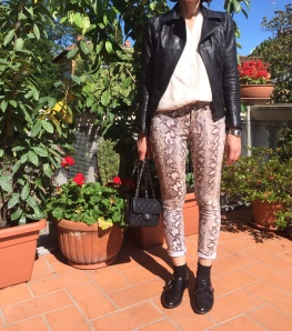coat, black jacket, black pants, zara sweater, myouldress collection, casual outfit, vintage blog, cheap outfit, very cheap outfit,  mysouldress style, italian fashion blog, italian blogger, oversize, Sergio rossi shoes, black shoes, minimal outfit,  mysouldress skirt, white skirt, vans slip-on, Chanel bag, Zara, iceberg, bermuda, strippes sweater, top, crtop top, kimono, a simile t-shirt, Calvin Klein jacket, Max Mara jacket, Zara boots, black boots, Pink pants, Balenciaga pants, printed coat, kimono bianco, boho style, .